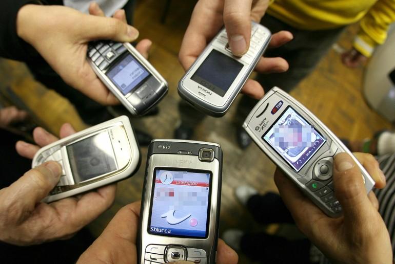 Cellulari accostati vari modelli