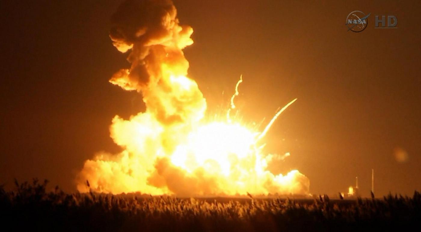 Usa, esplode razzo con rifornimenti Nasa per stazione spaziale
