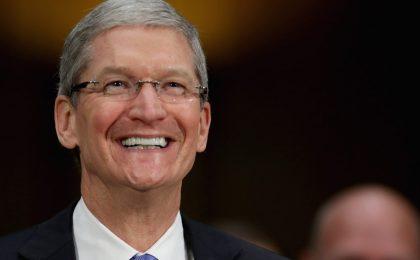 """Tim Cook, CEO Apple, è gay: """"Il più grande dono che Dio mi abbia dato"""""""