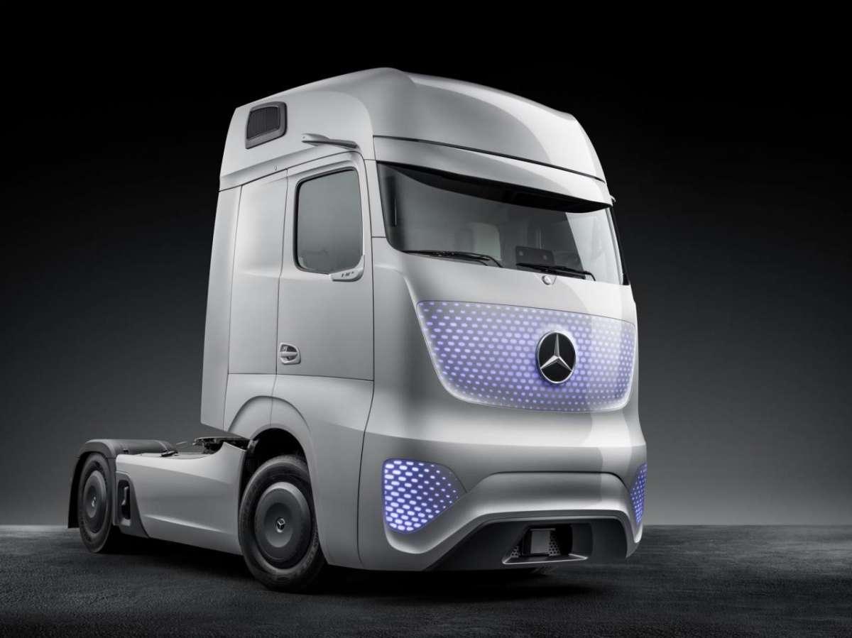Mercedes e i trasporti pesanti hitech che guidano da soli [FOTO]