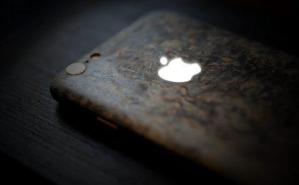 iPhone 6 in oro e materiali preziosi da Feld & Volk