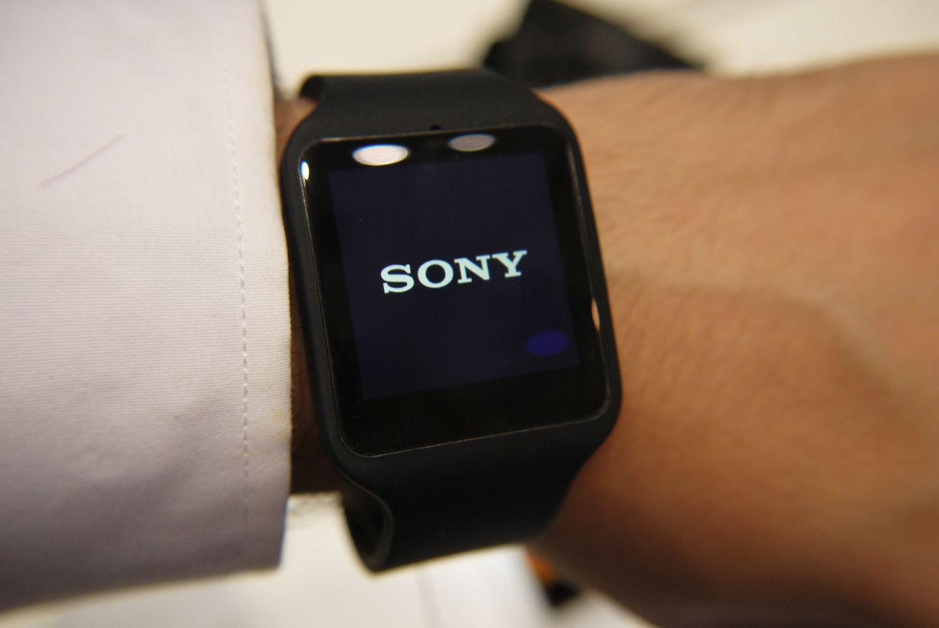 Sony SmartWatch 3 in inox in uscita in Italia: prezzo e scheda