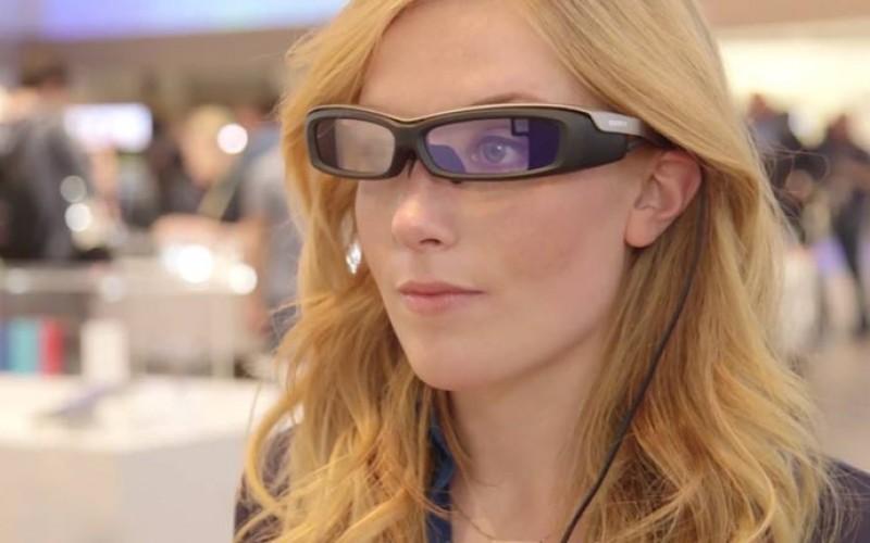 Sony SmartEyeGlass, la sfida ai Google Glass