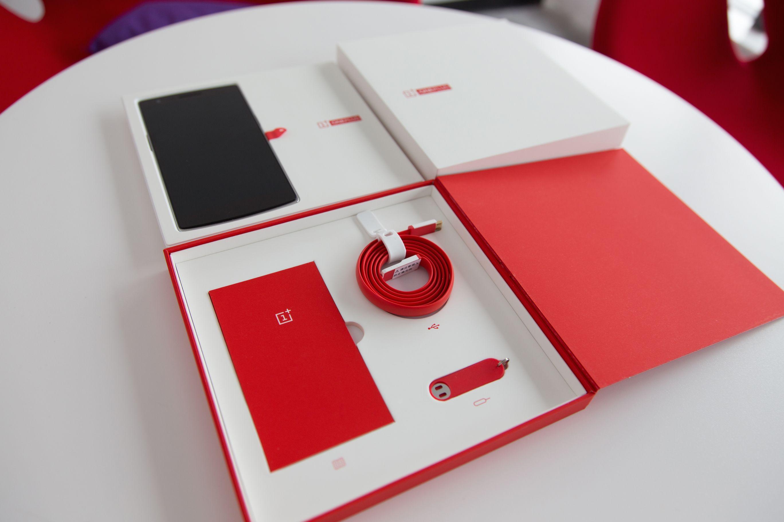 OnePlus One confezione