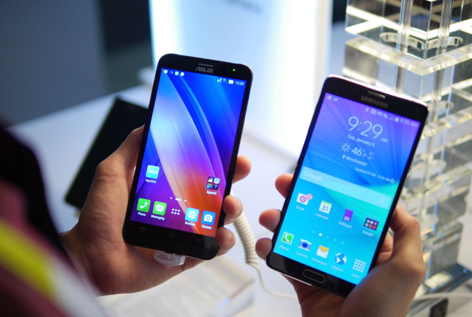 ZenFone 2 vs Note 4
