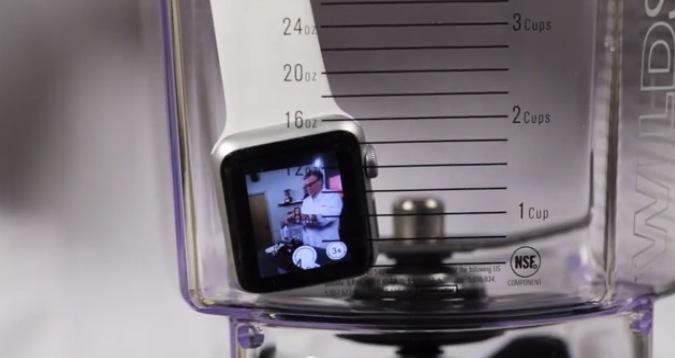 Apple Watch nel frullatore Blendtec