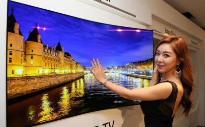 LG OLED: la nuova TV da 55″ spessa meno di 1 mm