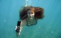 Cellulare in acqua: come tentare di salvare il telefono