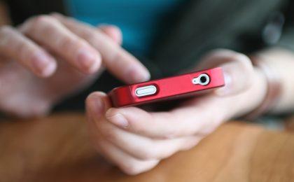 Quotidiano indiano dice basta agli smartphone in redazione