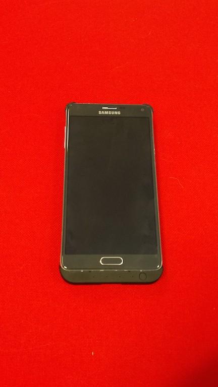 Samsung Galaxy Note 4 con cover