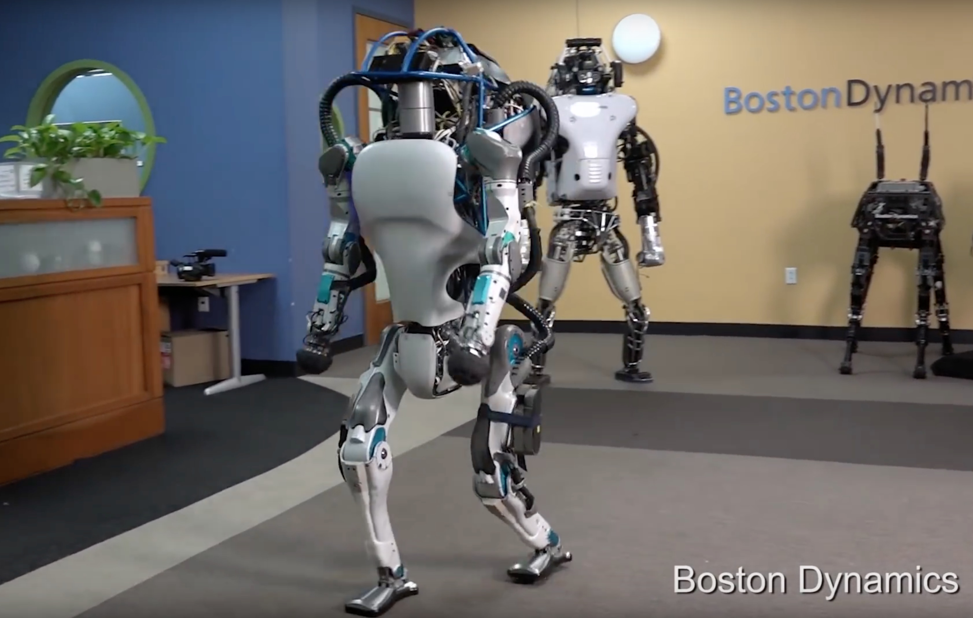 Boston Dynamics presenta Atlas, il robot umanoide
