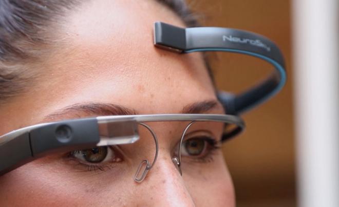 Occhiali Google con controllo mente