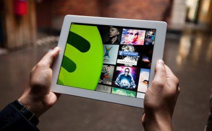 Facebook Messenger integra Spotify