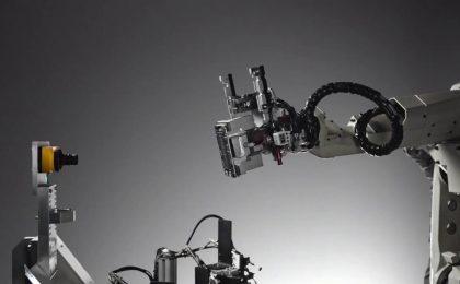 Apple Liam, il robot che separa gli iPhone in modo ecologico