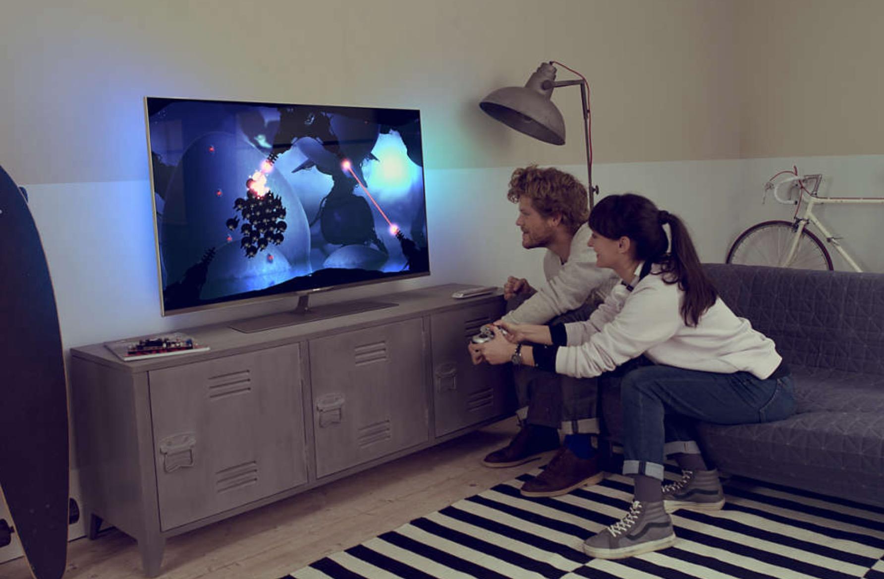 Smart TV spia una coppia