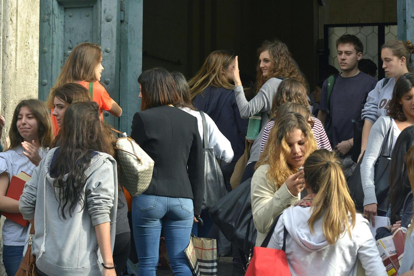 Maturità 2016, svolgimento temi di italiano: Eco, voto alle donne, rapporto padre figlio, significato del confine