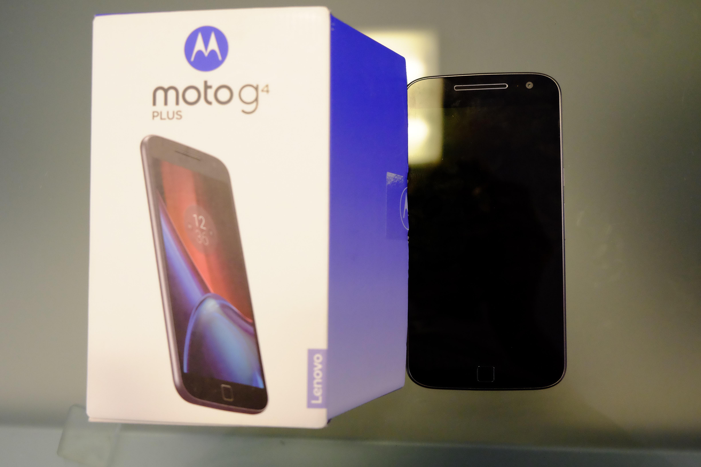 Moto G4 Plus confezione