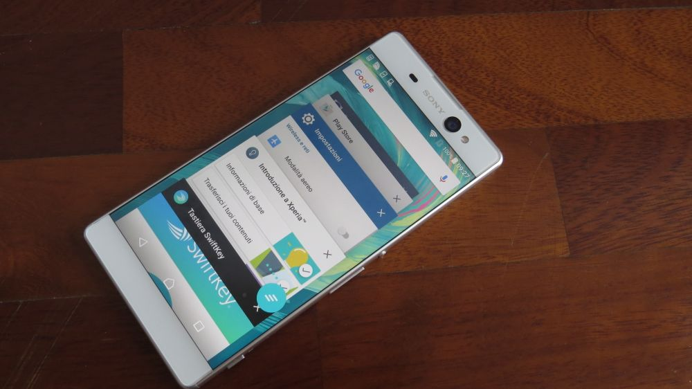Sony Xperia XA Ultra multitasking