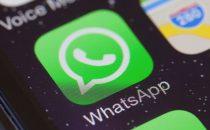 WhatsApp, arriva l'inoltro dei messaggi a più chat