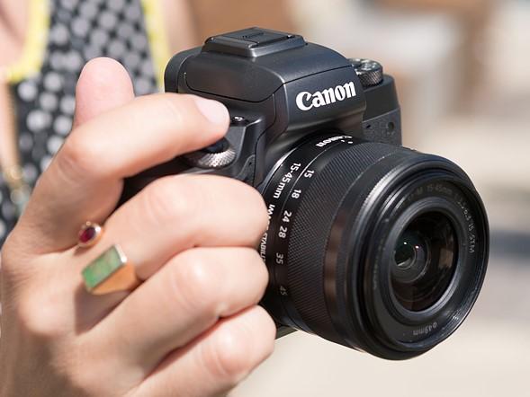 Canon EOS M5: prezzo e scheda tecnica della mirrorless