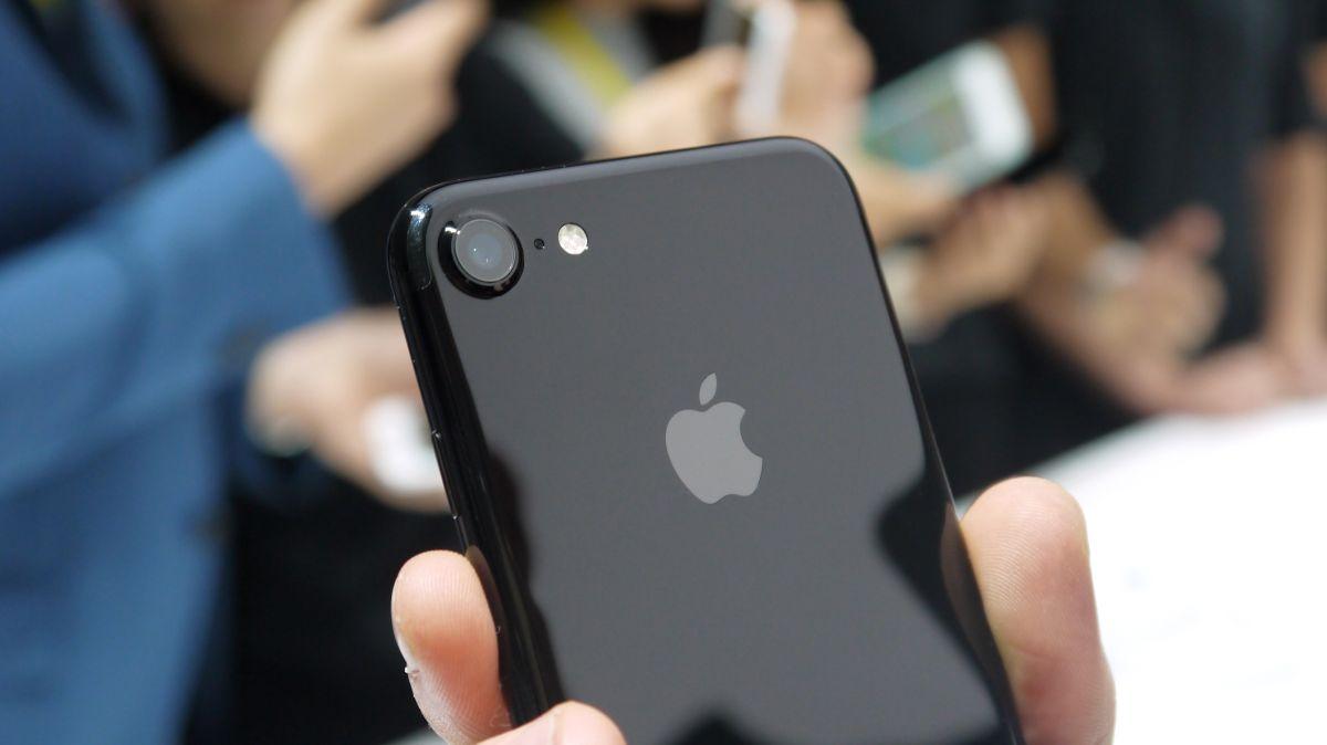 iPhone 7 vs Huawei P9: confronto delle schede tecniche
