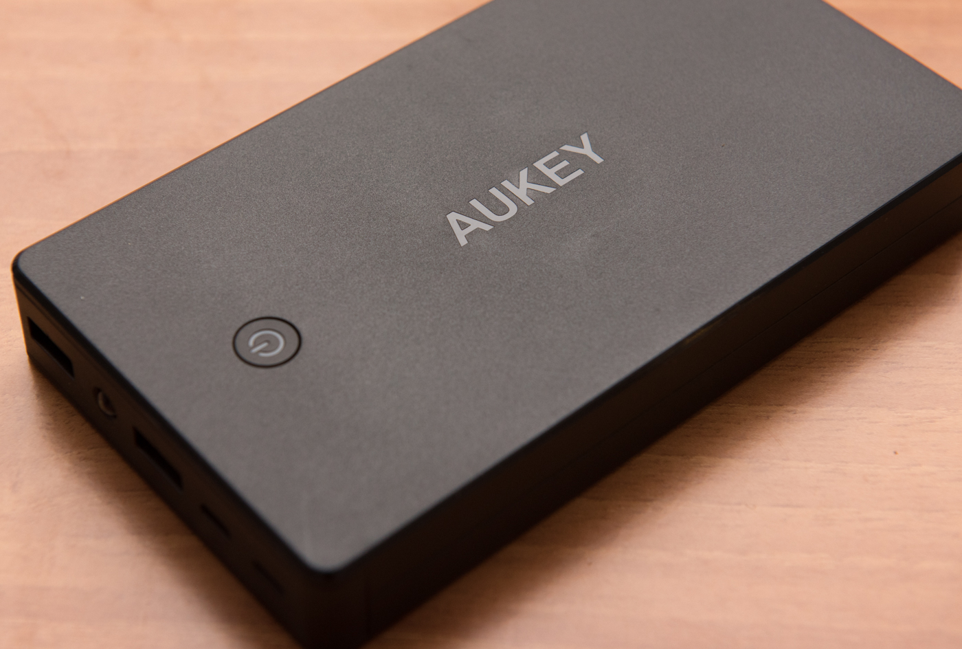 Power Bank AUKEY PB-N36: recensione caricabatterie da 20000 mAh