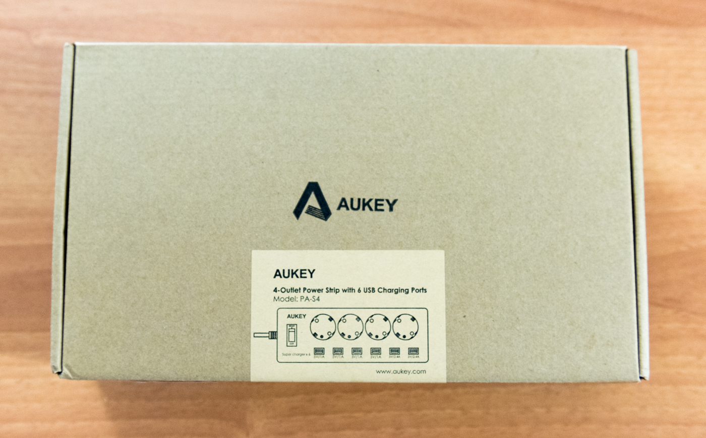 Unboxing multipresa AUKEY PA S4
