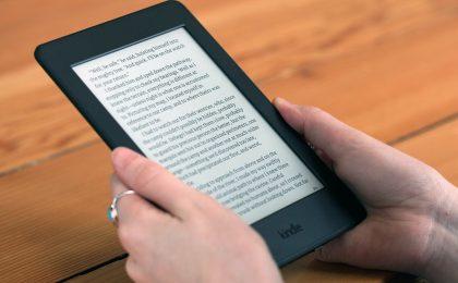 Kindle Paperwhite, ebook reader a 99 euro su Amazon
