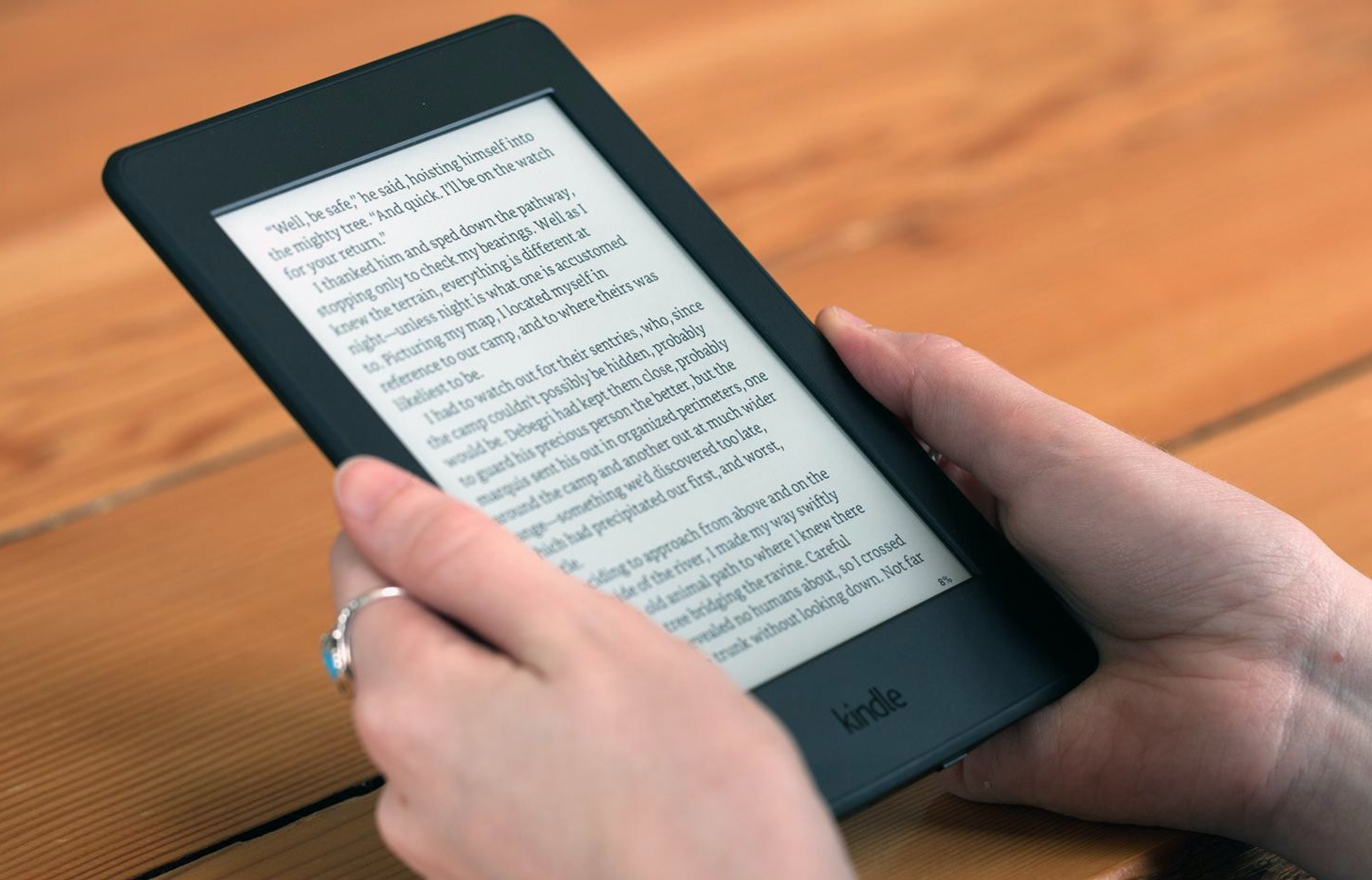 Kindle Paperwhite, ebook reader a 99 euro su Amazon