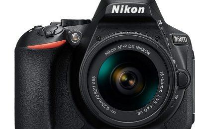 Nikon D5600, una D5500 plus: scheda tecnica ufficiale