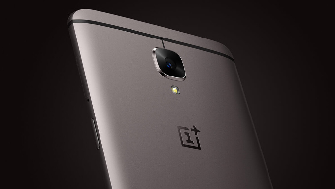 OnePlus 3T vs OnePlus 3: le differenze e il confronto, cosa cambia?