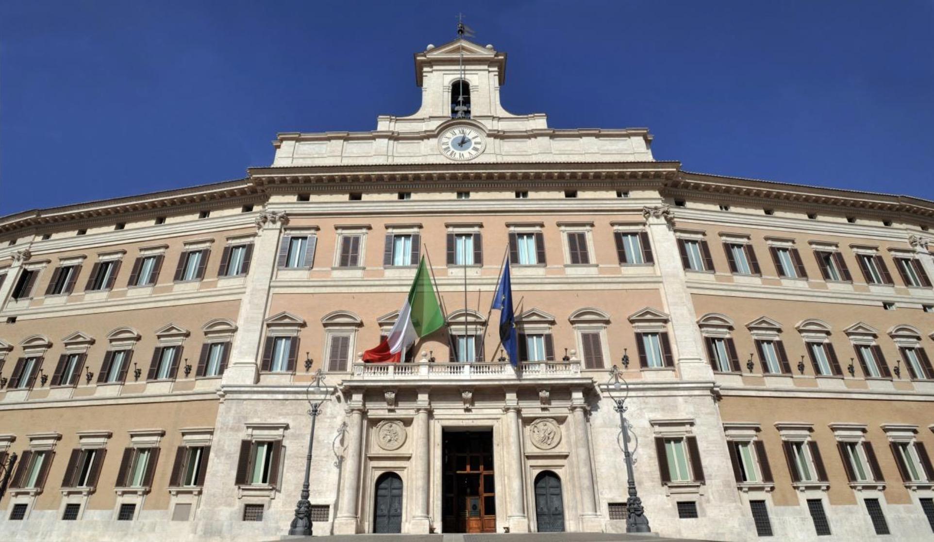 Renzi si è dimesso: vince il NO, le GIF più divertenti del web