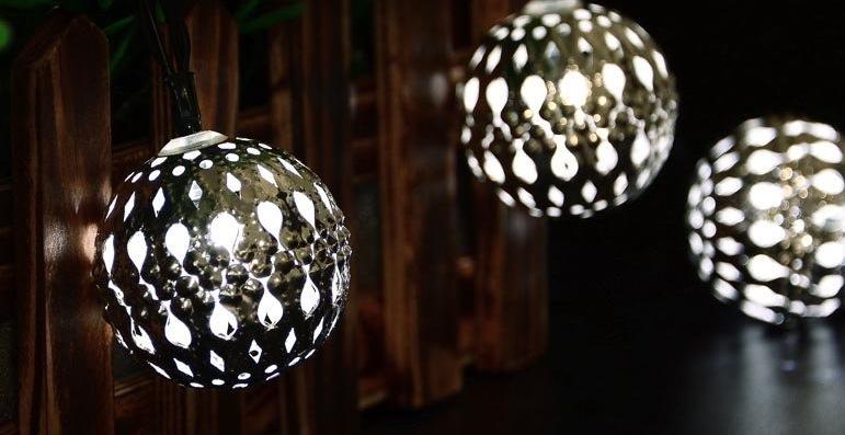 palline luminose alimentate ad energia solare