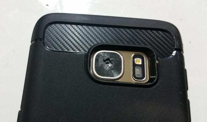 Samsung Galaxy S7 e il problema delle lenti che si rompono