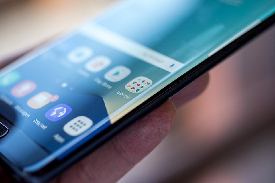 Galaxy Note 7 batteria, svelate le cause delle esplosioni e incendi