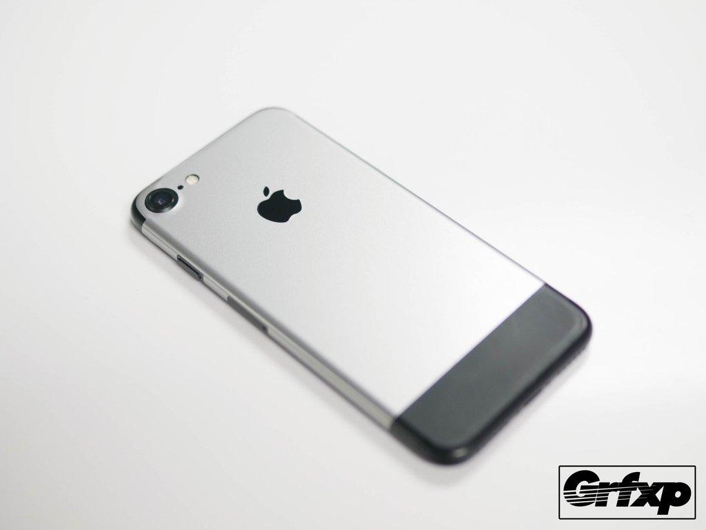 iPhone 7 si trasforma in iPhone 2G con la skin per il 10mo anniversario