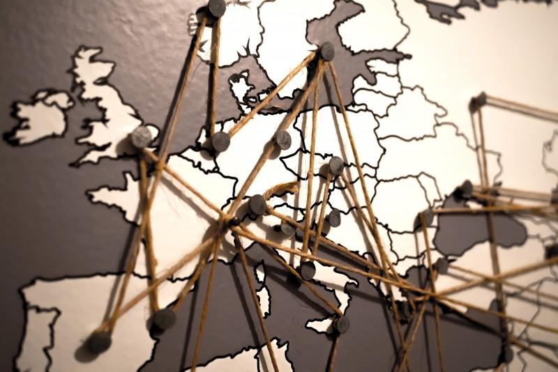 Roaming in Europa addio: cosa cambia e i costi