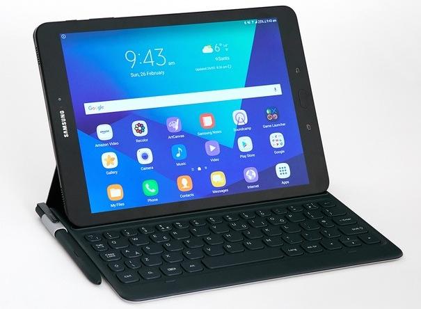Samsung Galaxy Tab S3 con tastiera