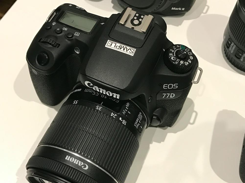 canon eos 77d dettagli