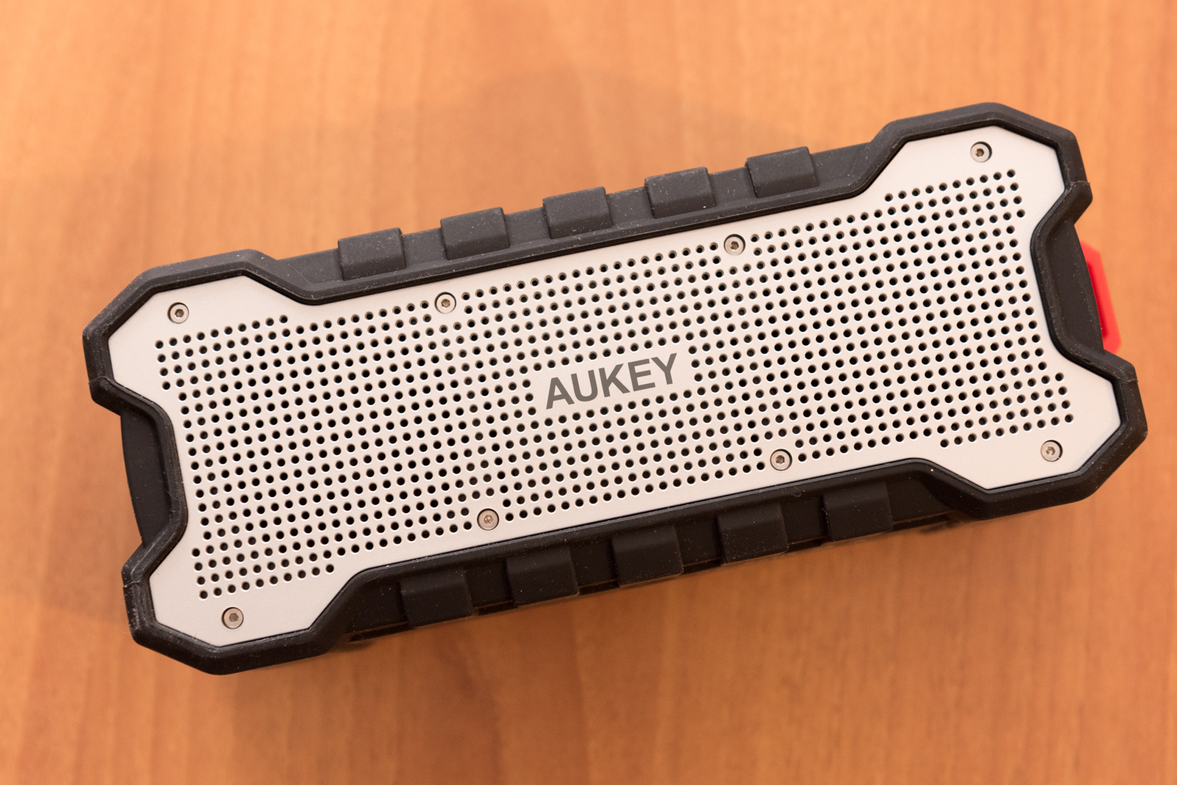Altoparlante AUKEY SK-M12: recensione speaker Bluetooth