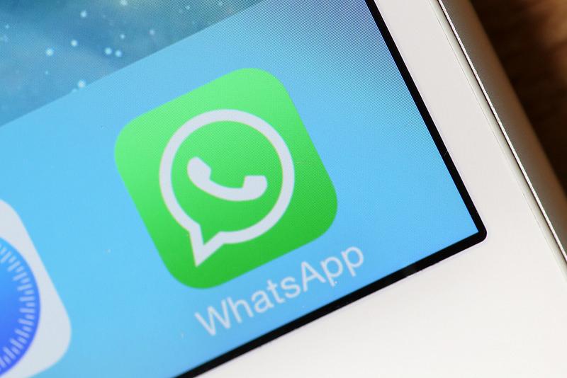 Come rispondere su WhatsApp senza apparire online