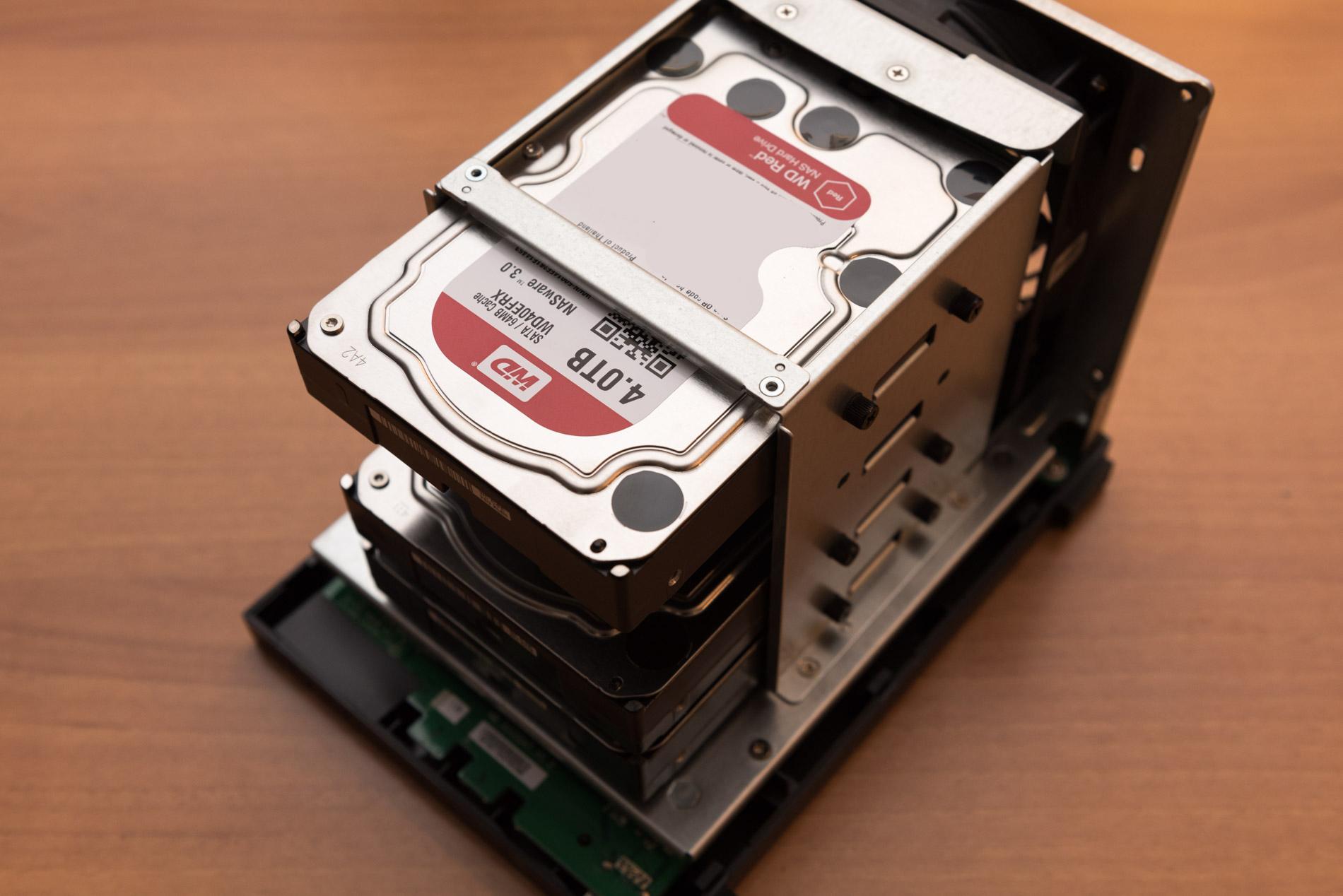 ASUSTOR AS1004T test hard disk performance