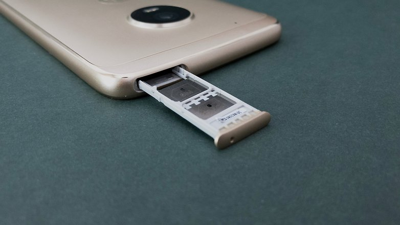 Moto G5 Plus slot