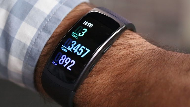 Samsung Gear Fit 2 smartband con display