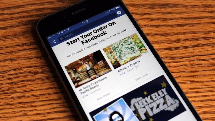 La cena si potrà ordinare da Facebook