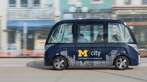 Gli autobus automatici del campus universitario del Michigan