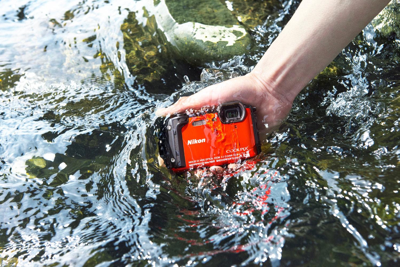 Nikon Coolpix W300: prezzo, caratteristiche e disponibilità