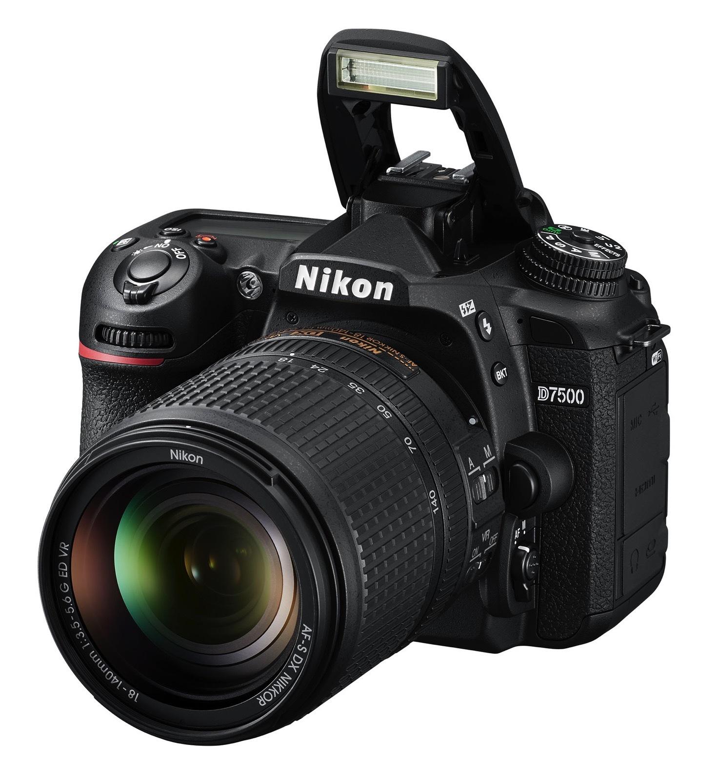 Nikon D7500 con flash
