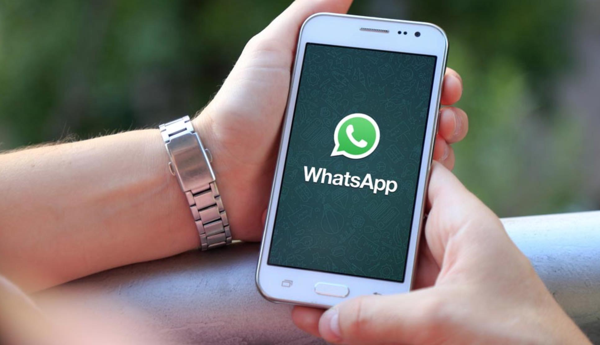 Nuova truffa WhatsApp: il falso aggiornamento che ti ruba i dati