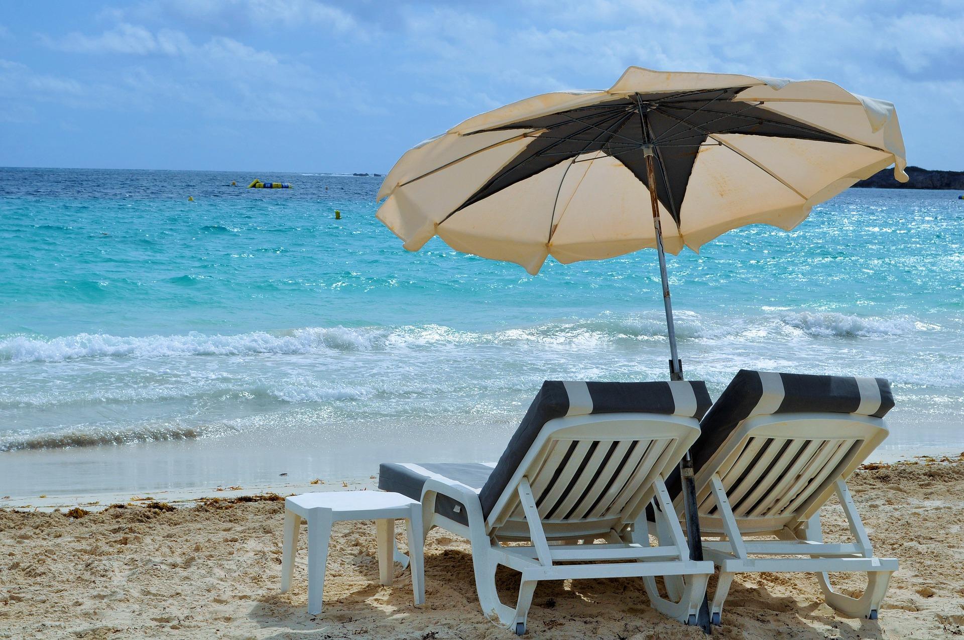 Vacanze tecnologiche: i 10 must have tech da portare in spiaggia